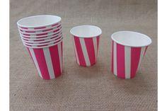 Χάρτινα Ποτηράκια Ριγέ JL015P  Χάρτινα ποτηράκια ριγέ σε ροζ χρώμα. Ιδανικά για το candy buffet της βάπτισης αλλά και για παιδικά party ή εκδηλώσεις. Συνδυάστε τα ποτηράκια με αντίστοιχα πιατάκια, καλαμάκια και χάρτινα σακουλάκια για να δώσετε ένα χαρούμενο ύφος στο τραπέζι σας.Διαστάσεις: 5 x 8cmΣυσκευασία 10 τεμαχίων.