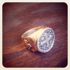 Saint Benedict Silver/plated ring at www.enriquemuthuan.com