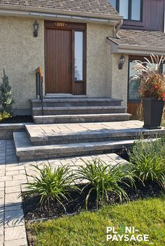 23 ordinaire Devant Maison Collection - All For Garden Front Door Steps, Front Walkway, Landscape Stairs, Patio Stairs, Raised Patio, Side Porch, Driveway Landscaping, Front Entrances, House Front