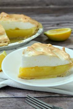 Mini Lemon Meringue Pies, Lemon Meringue Cheesecake, Cheesecake Recipes, Dessert Recipes, Cheesecake Pie, Cupcake Recipes, Cookie Recipes, Lemon Pie Recipe, Lemon Recipes