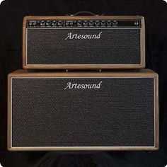 Head and Cab from italian amp boutique maker, Artesound. The Twinsound 85W amp, twin style hand wired on eyelet board...