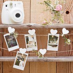 Rustic Country Ginger Ray: cards garland wooden hearts - kaartenslinger houten hartjes. Shop wedding trend Rustic Woodsy decorations / Shop bruiloft trend rustieke decoratie: www.weddingdeco.nl/collecties/rustic-country