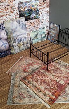 "A realistic way to make an ""antique"" scale miniature rug – Sandra McCall Fabulous way to make a miniature ""antique"" rug for dollhouses. Dollhouse Miniature Tutorials, Miniature Rooms, Miniature Crafts, Miniature Houses, Miniature Furniture, Doll Furniture, Diy Dollhouse, Dollhouse Furniture, Dollhouse Miniatures"