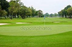 Vista la naturaleza paisaje de bellos campos de golf — Foto de stock © wuttichok #20982487