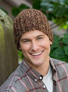 Easy Fitted Hat : AllFreeKnitting – of Free Knitting Patterns Easy Knitting Patterns, Loom Knitting, Free Knitting, Knitting Needles, Hat Patterns, Crochet Patterns, Knit Hat For Men, Hats For Men, Hat Men