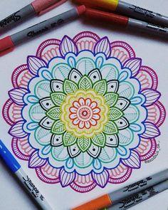 Image may contain: drawing Easy Mandala Drawing, Mandala Doodle, Simple Mandala, Mandala Art Lesson, Doodle Art Drawing, Mandalas Drawing, Mandala Artwork, Mandala Painting, Art Drawings Sketches