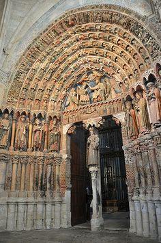 Colegiata de TORO - Zamora. Portada de La Majestad. Spain