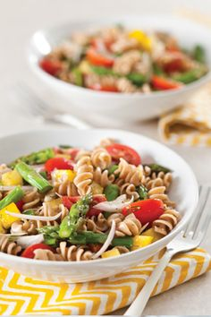Garden Pasta Salad...looks just like the pasta salad Terry makes!!!!