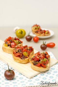 Bruschetta mit frischen Tomaten // Bruschetta with fresh tomatoes
