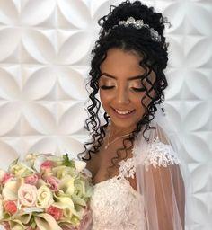 Little Girl Wedding Hairstyles, Black Brides Hairstyles, Elegant Hairstyles, Bride Hairstyles, Curly Bridal Hair, Natural Hair Wedding, Bridal Makeup Looks, Bridal Hair And Makeup, Braiding Hair Colors