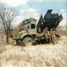 The SADF captured many Russian made rocket launchers and made their own improved version Military Weapons, Military Life, Military Art, Military History, South African Flag, South African Air Force, Military Archives, Army Day, Armored Fighting Vehicle
