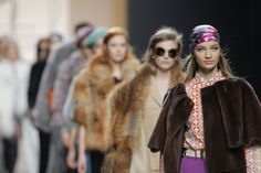 Jesús Lorenzo para Groenlandia proves once again at Mercedes-Benz Fashion Week Madrid, that leather fashion is suitable for today´s young and urban woman.