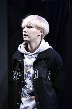 Welcome to a book about BTS' member, Lou Lan (or her korean name … Daegu, Min Yoongi Bts, Min Suga, Mixtape, Bts Bangtan Boy, Jimin, Rapper, Agust, Wattpad
