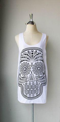Black Ancient Art Skull Print on White Long Tank Top Shirt women M L