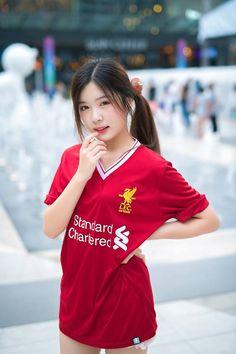 Liverpool Girls, Liverpool Football Club, Sexy Asian Girls, Beautiful Asian Girls, Filipina Girls, Cute Japanese Girl, Actresses, Poses, Soccer