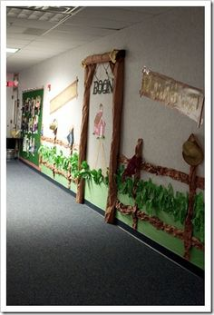 Themed hallway decorations for each grade level=AWESOME!