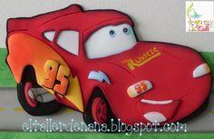 """Moldes de Rayo Mcqueen, el personaje principal de la película de Disney """"Cars"""". Puedes realizar este hermoso Rayo Mcqueen en goma eva foami para decorar un"""