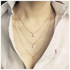 Necklace Color: Gold Condition: New Quantity:3in1 layered Material: Alloy *Price Firm Jewelry Necklaces
