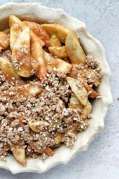 Apple Pie Meets Apple Crisp (streusel apple pie)
