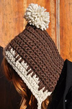 "Crochet Pattern: Old-fashioned hood variation from Sara at ""Sans Limites,"" building upon the ""Snow Day Hat"" pattern by Elsie Larson, originally posted on http://abeautifulmess.typepad.com/my_weblog/2010/01/snow-day-hat-diy-by-elsiecake.html."