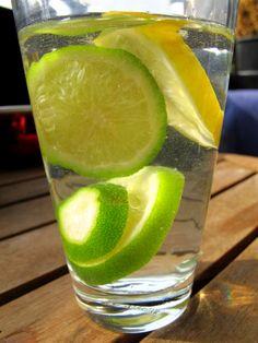 Zitronenwasser Low Carb   http://www.fettich.de/low-carb/rezepte/getraenke/zitronen-oder-limetten-wasser