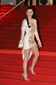February 27, 2015. @katyperry opina que el vestido es blanco con dorado. Fin de la discusión.  #ViernesDeKatyPerry