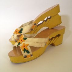 Vintage 1940s Shoes, Yellow 40s Shoes, Wooden Shoes from the Philippines, WWII souvenir, Size 6 7 N on Etsy, $60.00