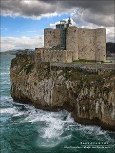 Castillo Faro de Castro Urdiales. Cantabria. House lightning castle of Castro Urdiales. Spain. España. Europe. Europa
