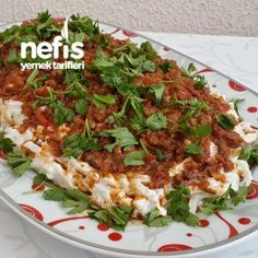 Nefis Erişte Mantısı The Effective Pictures We Offer You About curry Beef Recipes A quality picture Iftar, Ravioli, Best Beef Stroganoff, Yummy Noodles, Turkish Recipes, Ethnic Recipes, Crockpot Recipes, Cooking Recipes, Homemade Pastries