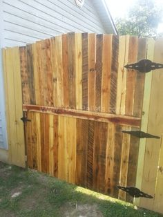 Pallet furnitures and Fence | 1001 Pallets