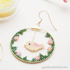 Boucles d'oreilles créole tissage brick stitch oiseau en perles Miyuki Delicas