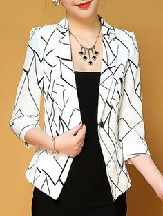 Notch Lapel Single Button Zigzag Striped Blazers Find latest women's clothing, dresses, tops, outerwear, and other fashion clothing and enjoy the worldwide shipping # Source by ootdfashiondaily Dress Floral Blazer, Striped Blazer, Blazer And Shorts, Blazer Jacket, Blazer Dress, Midi Skater Dress, Modelos Fashion, Blazers For Women, Ladies Blazers