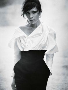 Victoria Beckham by Boo George for Vogue Germany November 2015 Fashion  Designer 3b9442911b1