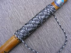 Good tutorial for making paracord handle wraps.