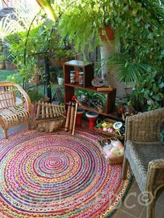 34 Colorful Bohemian Garden Designs to Embrace - Garden Deco Bohemian Patio, Bohemian Decor, Bohemian Living, Bohemian Garden Ideas, Bohemian Style Rooms, Bohemian House, Patio Bohemio, Family Day Care, Patio Rugs