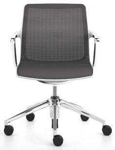 SIEGES DE TRAVAIL UNIX CHAIR 5 PIEDS ROULETTES  Unix Chair est un siège universel, de grande qualité et d'utilisation flexible, pour le bureau. Disponible en différentes configurations, il peut être utilisé de manière idéale en siège visiteur, siège de conférence ou de réunion.   Designer :ANTONIO CITTERIO Marque :VITRA Couleur :NOIR Dimensions : L 56cm H 80,5-93cm P 55,5cm  #Jbonet #design #Vitra