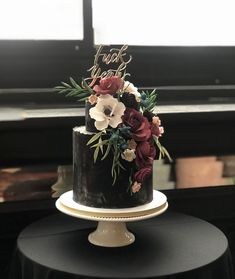 wedding cakes toppers wedding cakes black Amazing black cake with sugar flowers by Nine Cakes (NYC) and F*ck Yeah cake topper Black Wedding Cakes, Floral Wedding Cakes, Beautiful Wedding Cakes, Gorgeous Cakes, Wedding Cake Designs, Gothic Wedding Cake, Black Weddings, Geek Wedding, Medieval Wedding