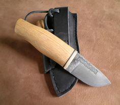 """""""Дедушкин"""" нож. Маленький финн, клинок из Р6М5, травление, рукоять из дуба, больстер костяной."""