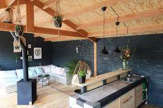 Tuininspiratie: onze tuinverbouwing en veranda - Follow Fashion Garden Bar, Home And Garden, Outside Bars, Surf Shack, Shed Design, Pool Houses, Architect Design, Garden Inspiration, Swimming Pools