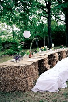 Rustic outdoor wedding table setting created from hay bales. Wedding Outside, Farm Wedding, Chic Wedding, Wedding Bells, Wedding Table, Wedding Reception, Rustic Wedding, Wedding Venues, Dream Wedding