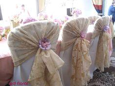 Algo similar para decorar la silla moderna Wedding Tips, Wedding Flowers, Wedding Decorations, Flower Girl Dresses, Tablescapes, Chairs, Facebook, Cover, Craft