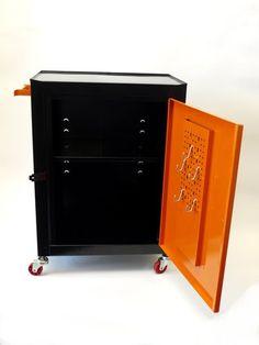Montážní pojízdná skříň 576x458x283mm - MARS (6090) | MojeDílna.cz Lockers, Locker Storage, Cabinet, Furniture, Home Decor, Clothes Stand, Decoration Home, Room Decor, Closet