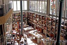La librairie de la Halle St-Pierre, Paris 18e,