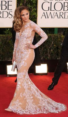 Jennifer Lopez Wears Zuhair Murad To The Golden Globes 2013 Jennifer Lopez, Fashion Advice, Fashion News, Sexy Dresses, Nice Dresses, Hottest Female Celebrities, Hair Magazine, Hot Outfits, Red Carpet Looks