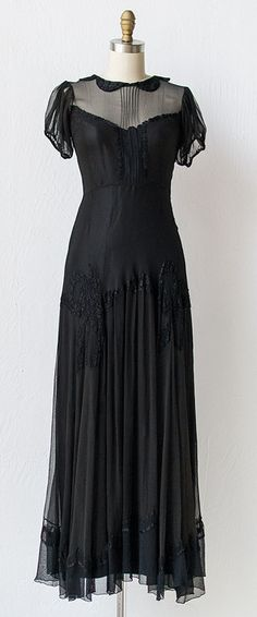 Vintage 1930s dress -- I like this so much that I think I might have to have it tailor made.
