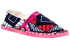 African Handmade Shoes is a social entrepreneurial project with the aim of creating a bridge between Africa and the Western world by selling handmade shoes by artisans in South Africa #africa #prints #shoes #design #ethnicprints #african #artisan #flats #espadrilles #handmade #colors #style #fashion