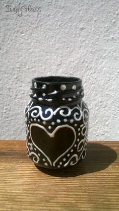 Ręcznie malowany szklany słoik - Białe serce