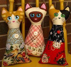 три мягкие сиамские кошки подушки игрушки