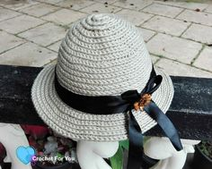 This crochet straw sun hat perfect for both men and women. It looks beautiful for a woman with black ribbon band. Crocheting into the 3rd loop give a nice texture to this sun hat. Crochet Summer Hats, Crochet Hat For Women, Summer Knitting, Crochet Baby Hats, Easy Crochet, Knitted Hats, Crochet Cape, Crochet Gloves, Afghan Crochet