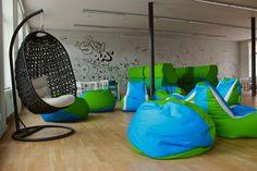 Ideální místo pro větší meetingy nebo přednášky od externích hostů a koučů. #Unifer #office #kancelar
